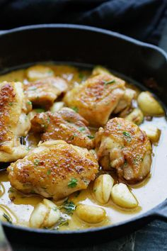 Rustic Chicken With Garlic Gravy Is A One Pan Wonder | The WHOot