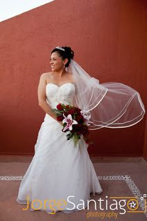 Ramo de novia en rojo por Bodas Huatulco