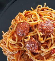 Spaghetti with chorizo  Cooking Chef, Batch Cooking, Cooking Recipes, Cooking Oil, Vegetarian Spaghetti, Spaghetti Squash Recipes, Portuguese Recipes, Italian Recipes, Instant Pot Spaghetti Recipe