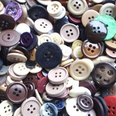 Fancy and Decorative {8 - 15mm} Approx 400 Pack Mix of 'Flat' Sewing and Craft Buttons Made of Acrylic Resin, Ceramic, Metal and Shell w/ Random Natural Varied Vintage Style Design {Assorted Color} ** To view further for this item, visit the image link.