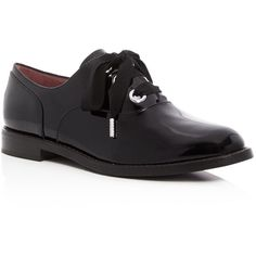 Marc Jacobs Helena Lace Up Oxfords ($380) ❤ liked on Polyvore featuring shoes, oxfords, black, patent leather oxford shoes, black oxfords, black shoes, black lace up shoes and oxford shoes