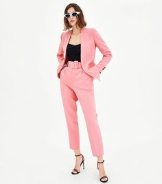 As women, we've come a long way and we celebrate our achievements and strength on International Women's Day. This time, Zara is celebrating with us courtesy a special Women's Day collection. Fast Fashion, Star Fashion, Girl Fashion, Fashion Outfits, Zara Trousers, Trousers Women, Cocktail Attire For Women, Zara Suits, Suits For Women