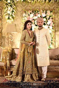 Pakistani bride Pakistani Dress Design, Pakistani Wedding Dresses, Wedding Sari, Bridal Looks, Bridal Style, Pakistan Bridal, Walima Dress, Groom Outfit, Groom Attire