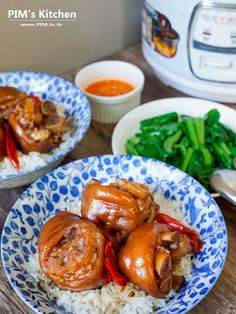 Thai Recipes, Sweet Recipes, Cooking Recipes, Authentic Thai Food, Thai Street Food, Chicken Wings, Side Dishes, Pork, Meat