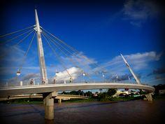 A passarela Joaquim Macedo é um dos 27 cartões postais de capitais do Brasil.  Pra quem não conhece o Acre eis uma prévia das nossas belezas na capital Rio Branco.    Foto: Thais Gurgel