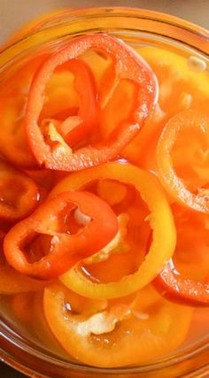 Peter Piper picked a peck of pickled peppers. So how many pickled peppers did Peter Piper pick? Pickled Pepper Recipe, Pickled Sweet Peppers, Quick Pickled Onions, Mini Sweet Peppers, Pickled Eggs, Canned Banana Peppers Recipe, Stuffed Banana Peppers, Stuffed Sweet Peppers, Pepper Relish