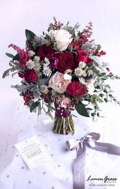 Spectacular bouquet of peonies and roses in fuchsia tones, garnets, roses and creams . - Spectacular bouquet of peonies and roses in fuchsia tones, garnets, roses and creams. Flower Bouquet Diy, Diy Wedding Bouquet, Diy Wedding Flowers, Bride Bouquets, Floral Wedding, Diy Flowers, Trendy Wedding, Bride Flowers, Flower Arrangements