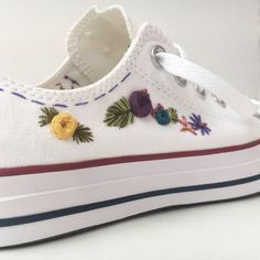 Hand Embroidery Design Hand embroidered converse embroidered flowers by PFPosey on Etsy - Hand Embroidery Tutorial, Hand Embroidery Stitches, Crewel Embroidery, Hand Embroidery Designs, Embroidery Techniques, Embroidery Ideas, Flower Embroidery, Machine Embroidery, Embroidered Clothes