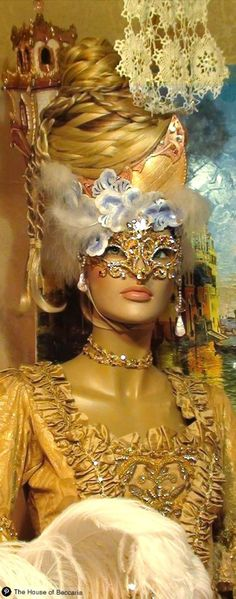 ~Masquerade with Marie Antoinette theme Venetian Carnival Masks, Carnival Of Venice, Venetian Masquerade, Venice Carnivale, Marie Antoinette, Costume Venitien, Venice Mask, Beautiful Mask, Masquerade Party