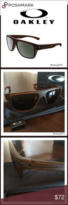 🆕 Oakley Sunglasses These Oakley Breadbox sunglasses are new and still in the box. They've never been worn, the lenses and frame are in perfect condition.   Frame Color: Dark Amber Country/Region of Manufacture: United States Lens Color: Dark Grey Frame Material: OMatter Brand:  Oakley Lens Technology:High Defination Optics (100% UVA/UVB protection) Style: Sport  👛 No Trade 🌸 All Offers 🌸 Click The Offer Button 🌷 Smoke Free Home  💕 Have a great day, Darla Oakley Accessories Sunglasses