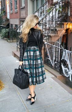 Full Skirt in Tartan. Fall Fashion 2013. #fallfashion #fullskirt #streetstyle