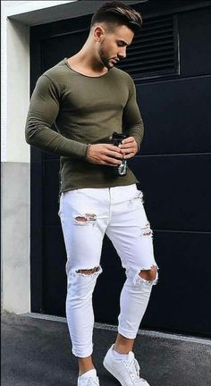 Here are some white jeans outfits for men and how to style them White jeans outfit men Grunge Outfits, Jean Outfits, Mode Masculine, Denim Pants Mens, White Jeans Outfit Mens, White Jeans For Men, Men's Jeans, White Jeans Outfit Summer, White Shirt Men
