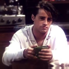 Friends Best Moments, Friends Scenes, Friends Cast, Friends Episodes, Friends Show, Just Friends, Chandler Friends, Monica And Chandler, Chandler Bing