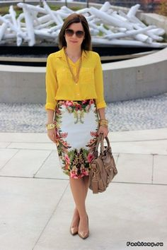 Love the yellow blouse and tropical skirt. Via Crazy Style Skirt Outfits, Chic Outfits, Fashion Outfits, Womens Fashion, Fashion Skirts, Topshop Skirts, Outfit Trends, Work Looks, Work Attire
