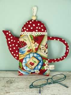 Teapot Pouch by PatchworkPottery, via Flickr
