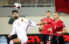 La Federación muestra que Piqué no cortó la bandera de España (Comunicado) - http://www.notiexpresscolor.com/2016/10/10/la-federacion-muestra-que-pique-no-corto-la-bandera-de-espana-comunicado/