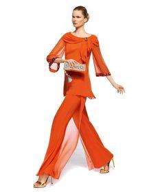 Pronovias te presenta su vestido de fiesta Zeva de la colección Madrina 2013. | Pronovias