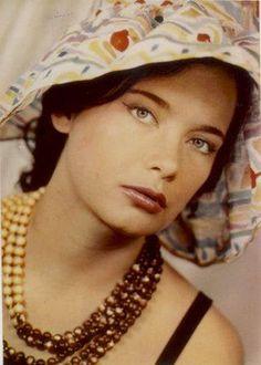 Τζένη Καρέζη 80s Kids, Old Movies, Historical Photos, Vintage Photos, Blouses For Women, Actors & Actresses, Famous People, Cinema, Female