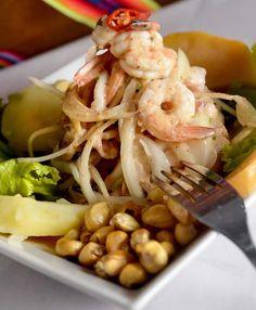 Ceviche Misto: Muito bem temperado, prato do Rinconcito Peruano leva camarão, peixe, polvo e marisco (Foto: Tadeu Brunelli/ÉPOCA SP)