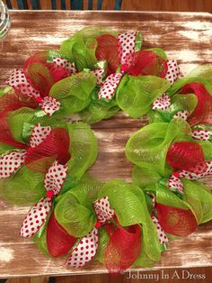 Mesh Christmas Wreath Tutorial