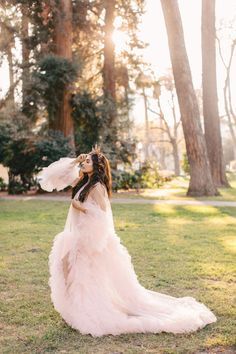 Elena Robe — California Gowns Gowns For Rent, Girls Dresses, Flower Girl Dresses, One Size Fits All, California, Wedding Dresses, Fashion, Dress, Dresses Of Girls
