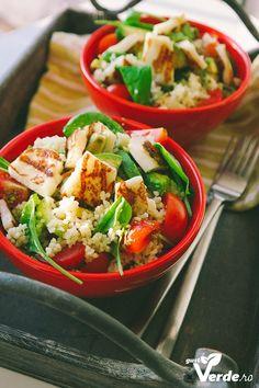 Gust Verde: Salata de avocado, cuscus si Halloumi.