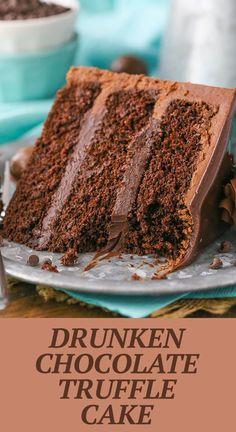 Chocolate Truffle Cake, Chocolate Truffles, Chocolate Desserts, Chocolate Liqueur, Chocolate Frosting, Easy Chocolate Cake Recipe, Cake Truffles, Desserts To Make, Delicious Desserts
