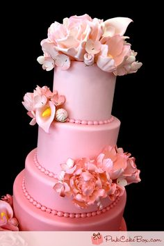 pretty pink ombre wedding cake