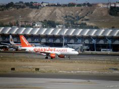 EasyJet Airline Airbus A319-111, 2009 Barajas airport Madrid