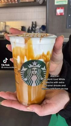 Café Starbucks, Starbucks Fall Drinks, Bebidas Do Starbucks, Starbucks Secret Menu Drinks, How To Order Starbucks, Iced White Mocha, Coffee Drink Recipes, Smoothie Drinks, Diet Drinks