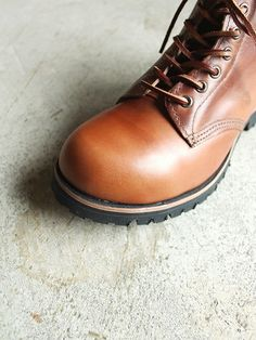 14d611e0e5d 107F Field Boot produced from tan waxy leather Vintage Boots