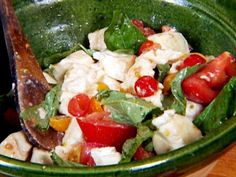 Get Roasted Tomato Caprese Salad Recipe from Food Network Caprese Salad Recipe, Tomato Salad Recipes, Summer Salad Recipes, Feta Salad, Summer Salads, Healthy Cooking, Healthy Recipes, Drink Recipes, Healthy Food