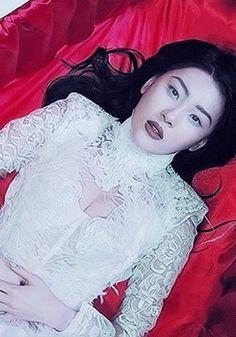 Sunmi Full Moon MV GIF