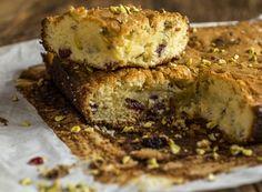 Receita Dedo de Moça: Brownie de chocolate branco com cranberries e pistache