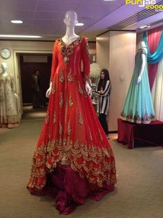 #FullPartyWearGownSale #BollywoodGownOnline #DesignerGownOnSale #StylishGownIndia Maharani Designer Boutique www.maharanidesigner.com Fabric:Net Price Rs -30000 For any more information contact on WhatsApp or call 8699101094