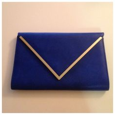 Aldo royal blue clutch with gold trim ❤ liked on Polyvore featuring bags, handbags, clutches, royal blue purse, blue clutches, aldo clutches, royal blue handbag and aldo