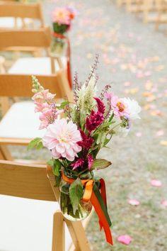 Wedding isle flower jars | Aisle flowers in mason jars Photography by torywilliams.com Event ...