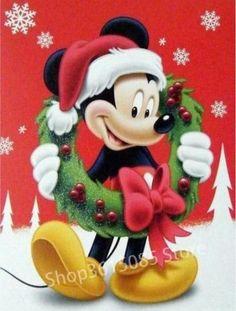Happy Holidays from Mickey Mouse Disney Merry Christmas, Mickey Mouse Christmas, Mickey Minnie Mouse, Christmas Art, Mickey Mouse Cartoon, Mickey Mouse And Friends, Retro Disney, Walt Disney, Image Mickey