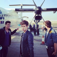 Well George's photography is jahmezing,but Jaymi's face takes this picture to a whole new level:D♥.    Union J JJ Hamblett George Shelley Josh Cuthbert Jaymi Hensley