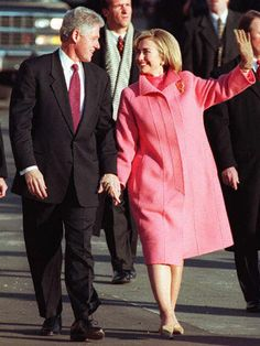 Gotta mix a little Sec of state & first lady in there -Hillary Clinton Hillary Clinton First Lady, Hillary For President, Hillary Rodham Clinton, Bill Hillary, Presidents Wives, American Presidents, Fashion Articles, Fashion Tips, Fashion Design