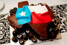 Groom's cake with Texas flag - Photo by Jason