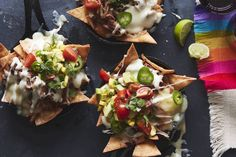 Carnitas Skillet Nachos - the most fab way to spice up game day! Layers of freshly fried tortilla chips, carnitas, cheese, queso and salsa! Mexican Food Recipes, Gourmet Recipes, Vegetarian Recipes, Ethnic Recipes, Mexican Dishes, Spicy Recipes, Pork Recipes, Cooking Recipes, Appetizers For Party