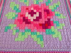 Betty&Annie: Meet Rose... the crochet tablecloth!Beautiful