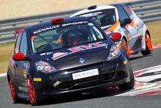 Renault España: 44 años consecutivos al lado de los jóvenes y de la alta competición