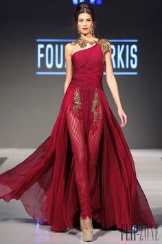 Fouad Sarkis Spring 2016 and Haute couture Couture Fashion, Runway Fashion, Fashion Show, Fashion Design, Fashion Glamour, Beautiful Gowns, Beautiful Outfits, Couture Dresses, Fashion Dresses