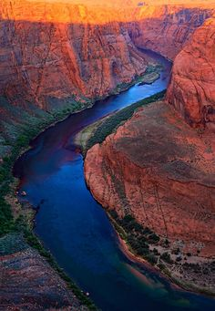 I always tend to think of traveling as trips to exotic places. Not so! There are an astounding amount of stunning environments right here in beautiful #USA.  #Colorado #River bend