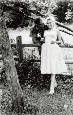 Marilyn Monroe and Arthur Miller photographed by Sam Shaw, 1957