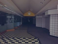 The mall is closed : creepy Im Losing My Mind, Lose My Mind, Whats Wallpaper, Am I Dreaming, Nostalgic Pictures, Weird Dreams, Abandoned Places, Aesthetic Pictures, How Are You Feeling