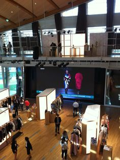 Fashion Hub - Milan Fashion Week - Porta Nuova