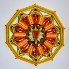 Wanddeko -  SOLARPLEXUS GARN MANDALA - Ojo De Dios (Ø40 cm) - ein Designerstück von Dr-MariRich bei DaWanda